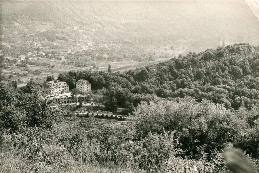 1963 - La Roche d'Or vista desde el Rosemont de la Maison Carrée y del edificio de San José